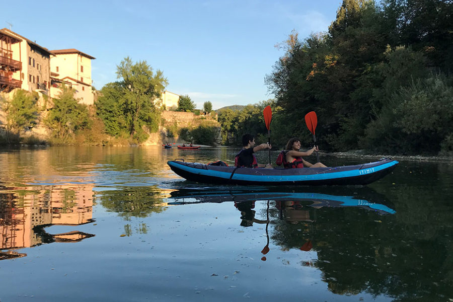 Tour canoa sotto il ponte del Diavolo